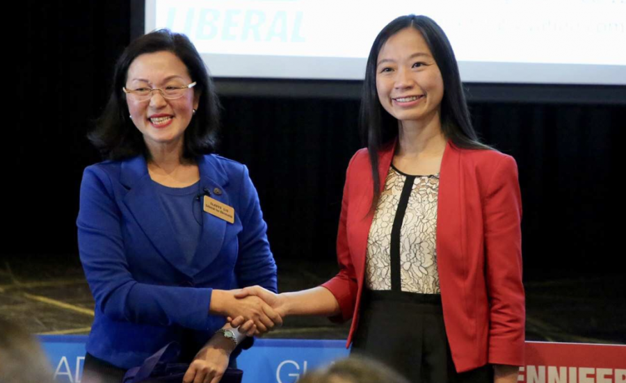 Chisholm candidates battle it out in Australia's first dual-language debate